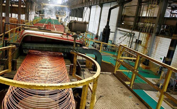 Indústria teve ligeiro avanço de 0,2% na passagem de outubro para novembro - Foto: Luciano da Matta | Ag. A TARDE