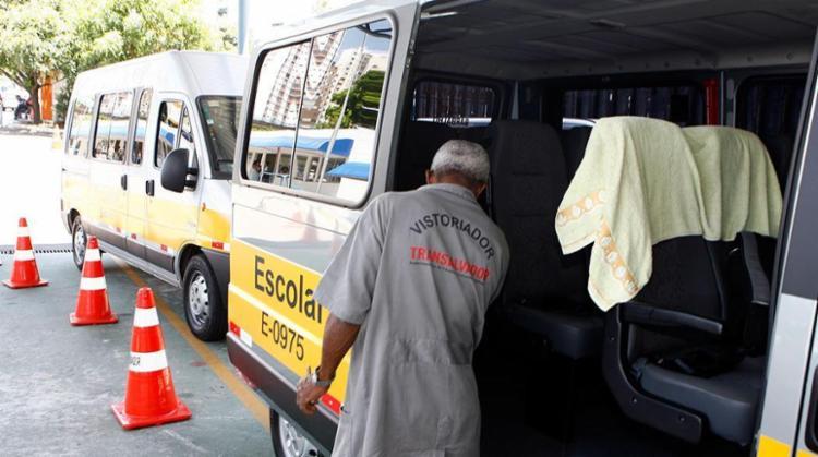 Vistoria do transporte escolar segue até 24 de março - Foto: Marco Aurélio Martins   Ag. A TARDE