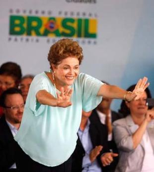 Dilma diz que crise econômica não afetará programas sociais - Foto: Luiz Tito | Ag. A TARDE