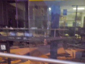 Em Taperoá, 8 homens fizeram três reféns e arrombaram a agência - Foto: Reprodução   Site Vermelhinho