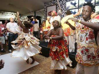Camarote conta com shows de dança e outras atrações - Foto: Mila Cordeiro | Ag. A TARDE | 20.02.2012