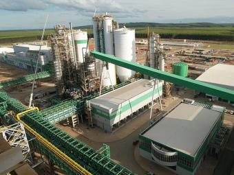 Entre os produtos importantes para o estado, a exportação de celulose caiu 19,7% - Foto: Gildo Lima   Ag. A TARDE   20.04.2005