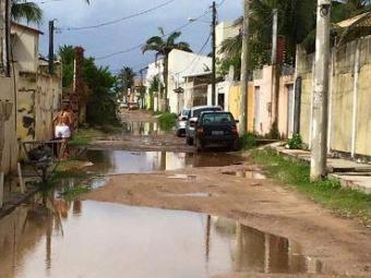 Rua André Falcão não dispõe de drenagem pluvial - Foto: Foto do Leitor