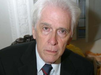 Cônsul honorário do Brasil na Alemanha, Moniz Bandeira é autor de mais de 20 obras - Foto: Margarida Neide | Ag. A TARDE | 03.11.2005
