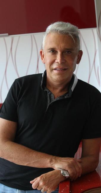 O arquiteto e designer Leo Shehtman - Foto: Lúcio Távora   Ag. A TARDE