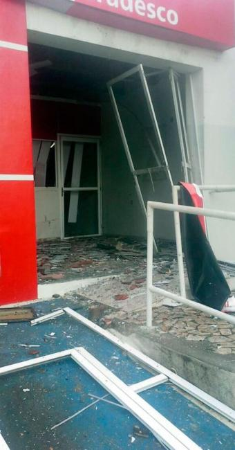 Agência do Bradesco ficou destruída após explosão - Foto: Divulgação   Polícia Civil