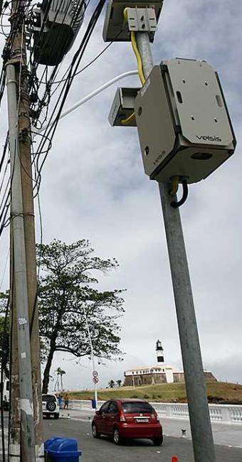 Ao todo, 316.658 motoristas foram multados por excesso de velocidade - Foto: Raul Spinassé | Ag. A TARDE