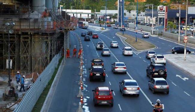 Interdição gerou congestionamento na via - Foto: Eduardo Martins | Ag. A TARDE
