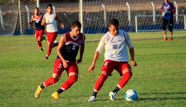 Rômulo (E) e Raul voltam ao time titular nesta quarta - Foto: Divulgação   ECBahia