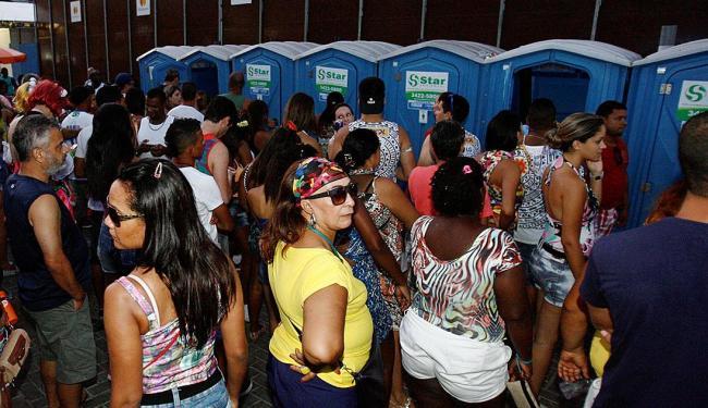 Ação pede que a Prefeitura providencie a limpeza emergencial dos banheiros químicos do Carnaval - Foto: Luciano da Matta | Ag. A TARDE