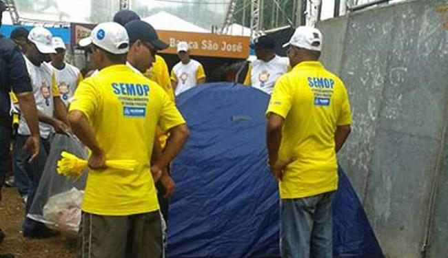 Fiscais recolhem barracas, colchões e equipamentos proibidos - Foto: Divulgação | Semop