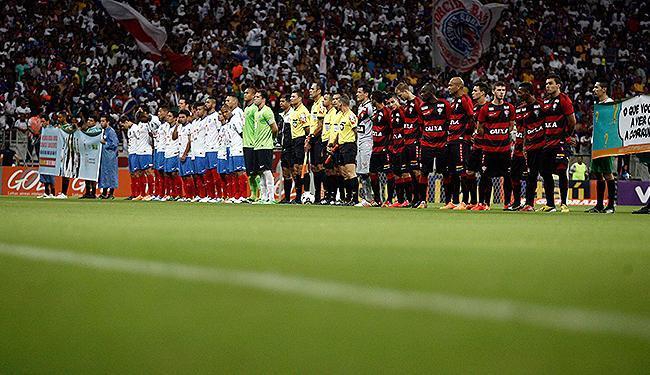 Clássico entre o Bahia e o Vitória acontece neste domingo, 1º, no Barradão - Foto: Raul Spinassé | Ag. A TARDE