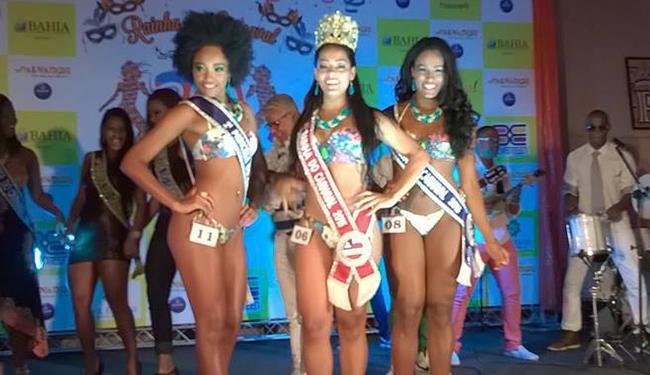 Rainha (no meio) e Princesas do Carnaval - Foto: Reprodução | Facebook
