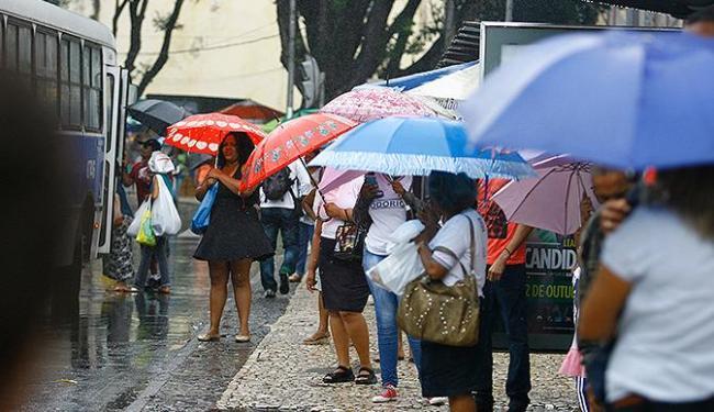 Mau tempo segue até esta terça-feira, 24, em Salvador - Foto: Joá Souza | Ag. A TARDE