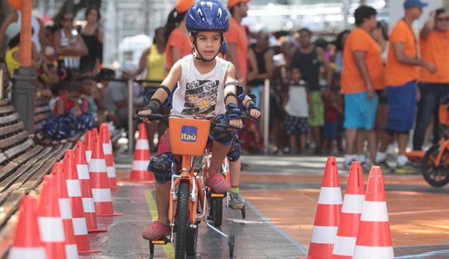 http://fw.atarde.uol.com.br/2015/02/650x375_ciclismo-criancas_1493000.jpg