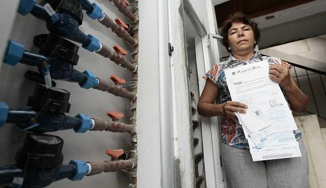 Primeira atitude de Eliete como síndica foi individualizar a água - Foto: Mila Cordeiro | Ag. A TARDE