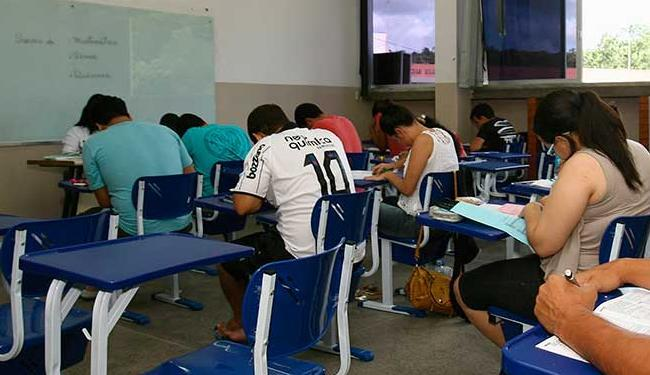 A legislação exige que, para cursar o ensino superior, o aluno precisa finalizar o médio - Foto: Joá Souza   Ag. A TARDE