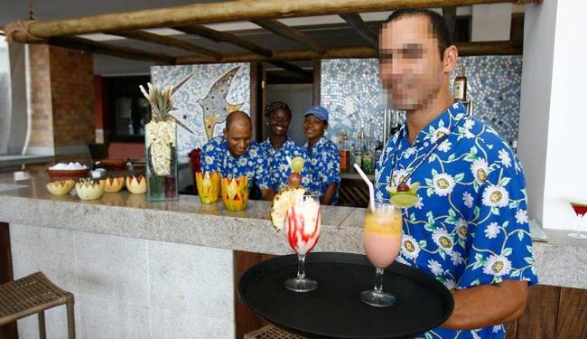 Função de garçom oferece 12 vagas nesta quarta - Foto: Luciano da Matta | Ag. A TARDE