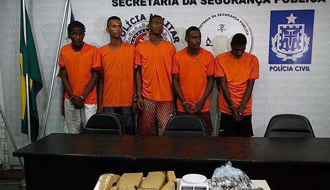 Cinco homens estão presos e quatro são procurados - Foto: Fernando Amorim | Ag. A TARDE