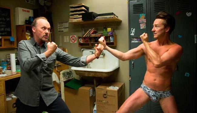Michael Keaton protagoniza Birdman - Foto: Divulgação