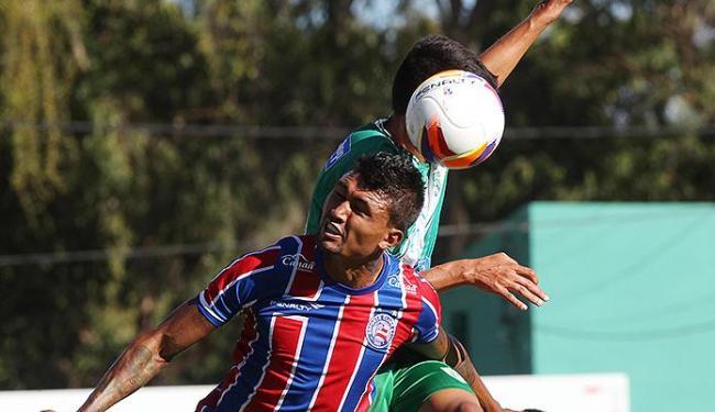 Bahia não teve força para buscar o empate e teve que ouvir o 'olé' da torcida rival - Foto: Lúcio Távora | Ag. A TARDE