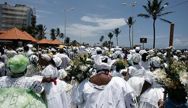 O cortejo deste ano reuniu cerca de 250 baianas, inclusive de comunidades quilombolas de Entre Rios - Foto: Raul Spinassé l Ag. A TARDE