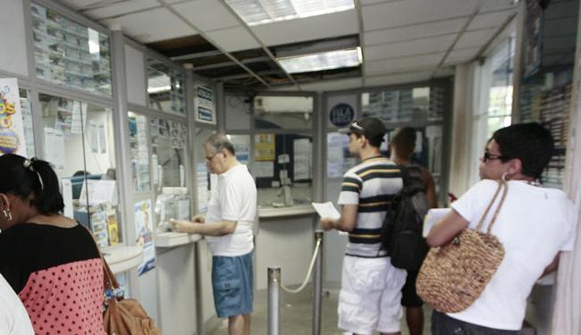 Agências bancárias e lotéricas acompanham o fim do horário de verão - Foto: Mila Cordeiro   Ag. A TARDE