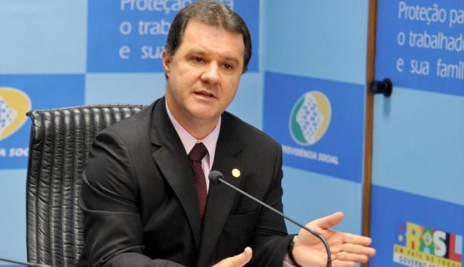 A ideia é substituir fator, criado em 1999, por fórmula que retarde a aposentadoria, diz ministro - Foto: Valter Campanato   ABr   02.06.2010