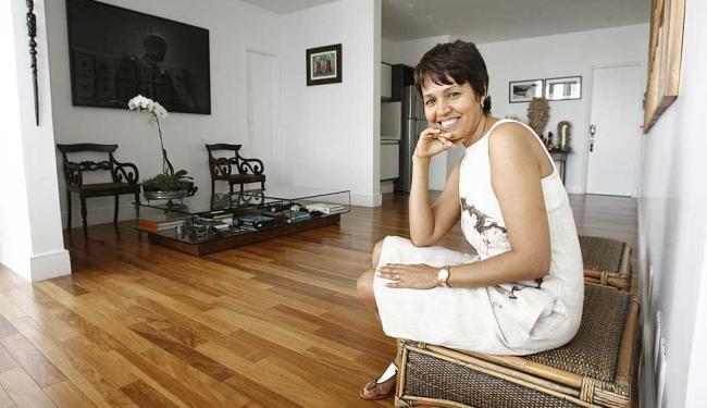 Nádia mora com o marido em um imóvel de 560 metros quadrados na Vitória - Foto: Fernando Amorim | Ag. A TARDE