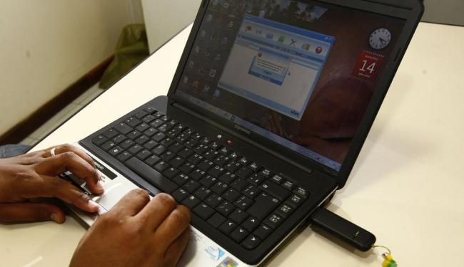 Ação quer alertar os internautas para os perigos de expor informações pessoais na rede - Foto: Walter de Carvalho | Ag. A TARDE