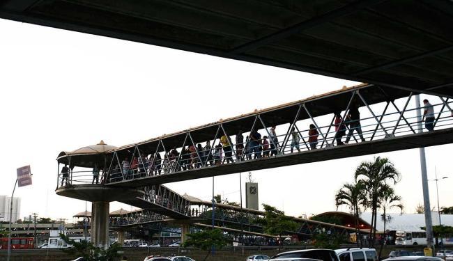 Passarela já teve 279 pisos trocados - Foto: Fernando Amorim   Ag. A TARDE