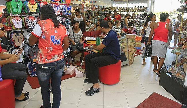Setor varejista de Salvador aposta em promoções para recuperar as vendas - Foto: Joá Souza   Ag. A TARDE