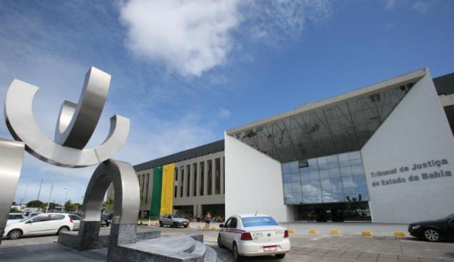 Foram canceladas as provas para as áreas de Administração, Contabilidade e Tecnologia da Informação - Foto: Carlos Casaes   Ag. A TARDE