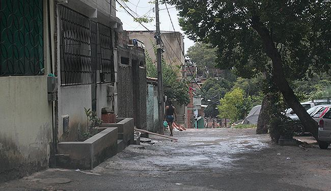 Na Vila Moisés, no Cabula, ação da PM deixou 12 mortos e três feridos no último dia 6 - Foto: Edilson Lima l Ag. A TARDE
