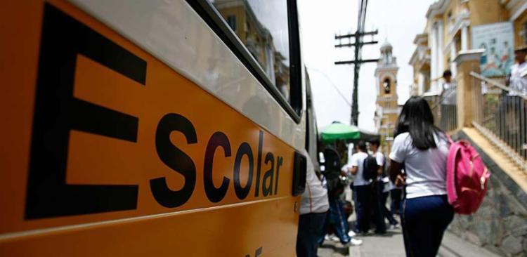 Escolas públicas e a maioria das particulares retomaram as atividades - Foto: Raul Spinassé | Ag. A TARDE