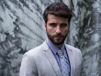 O ator se unirá a Paolla Oliveira, recém-contratada do escritório - Foto: Reprodução | TV Globo