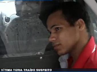 José Ramos levou a cabeça da namorada à delegacia dois dias após o assassinato - Foto: Reprodução | Vídeo