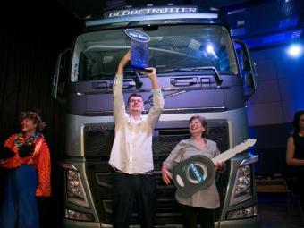 Catarinense recebe caminhão Volvo FH 540 - Foto: Divulgação Volvo