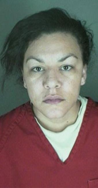 Dynel Lyne foi presa no hospital por tentativa de assassinato - Foto: Longmont Police Department l AP