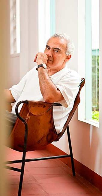 Hatoum foi o escritor brasileiro contemporâneo mais vendido no Salão do Livro de Paris - Foto: Fernanda Preto | Divulgação