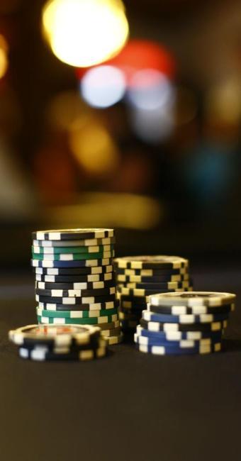 Fichas no Poker Chopp, único clube em Salvador onde o jogo é legalizado - Foto: Fernando Vivas | Ag. A TARDE