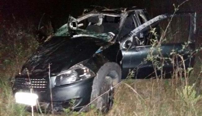 O secretário capotou o carro após desviar de uma moto que estava na contramão - Foto: Reprodução: Radar 64
