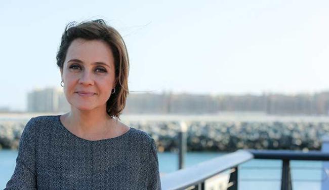 Adriana Esteves viverá uma mulher invejosa na nova novela das 21h - Foto: Alex Carvalho | TV Globo