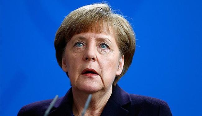 Merkel diz que Alemanha, Espanha e França vão apurar causas do acidente - Foto: Hannibal Hanschke l Reuters