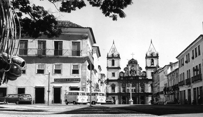 Foto de 1988 mostra Cruzeiro de São Francisco visto do Terreiro de Jesus - Foto: Fernando Costa | Ag. A TARDE | 09.03.1988