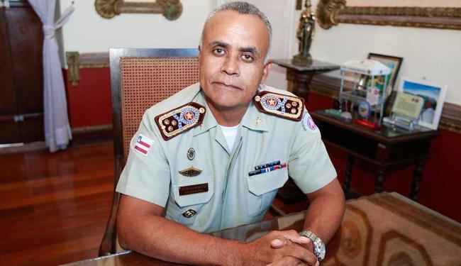 Coronel Anselmo Brandão, de 52 anos, assumiu o comando da Polícia Militar no início deste ano - Foto: Margarida Neide | Ag. A TARDE