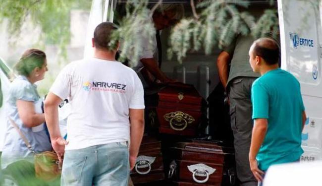 Os corpos eram transportados para a capital regional da província de La Rioja - Foto: Agência Reuters