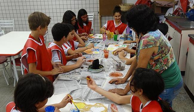 Aula de artes no Colégio Anchieta: alunos são estimulados a criar e comunicar através de outras plat - Foto: Acervo da instituição l Divulgação