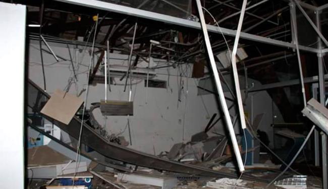 Agência ficou destruída na ação - Foto: Reprodução | Blog do Anderson
