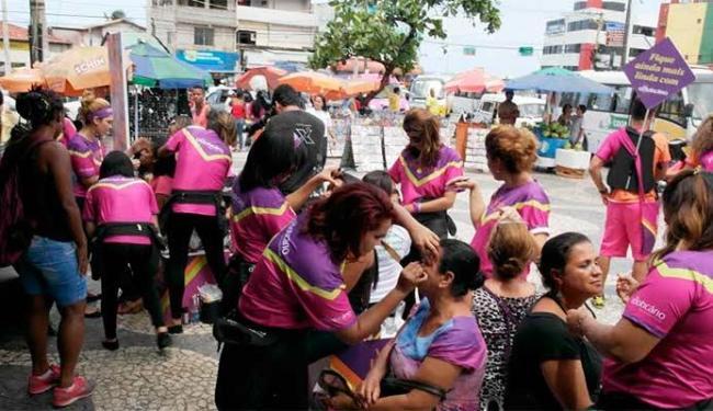 Mulheres vão poder se maquiar gratuitamente - Foto: Divulgação